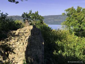 Leggi tutto: Il Castello ed il Borgo Di Vico sulla Francigena