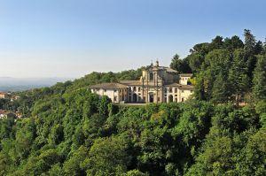 Veduta del complesso che domina la collina di fronte al Palazzo Farnese