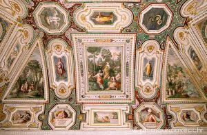 b_300_300_16777215_00_images_palazzofarnese_stanza-filosofi-960.jpg