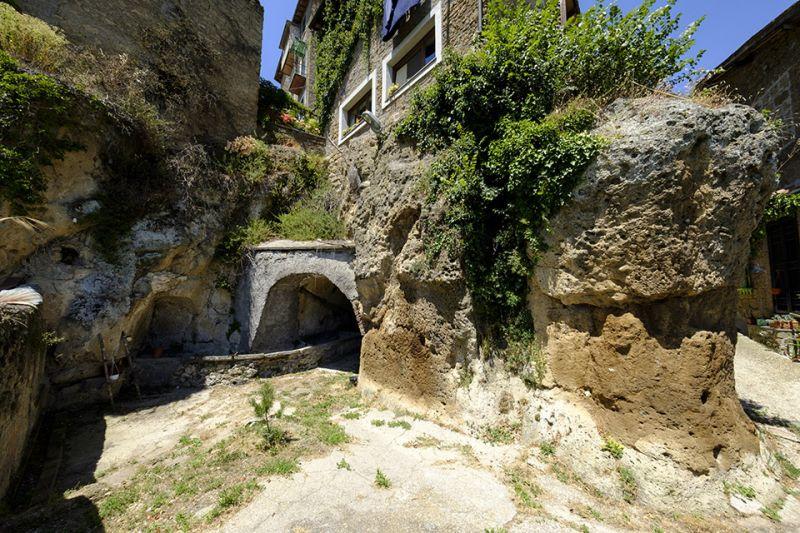 b_800_600_16777215_00_images_monumenti_fontanavecchia-2_DSF4987.jpg
