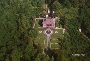 b_300_300_16777215_00_images_palazzofarnese_casina-del-piacere-aerea.jpg