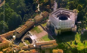 b_300_300_16777215_00_images_palazzofarnese_palazzo-farnese.jpg