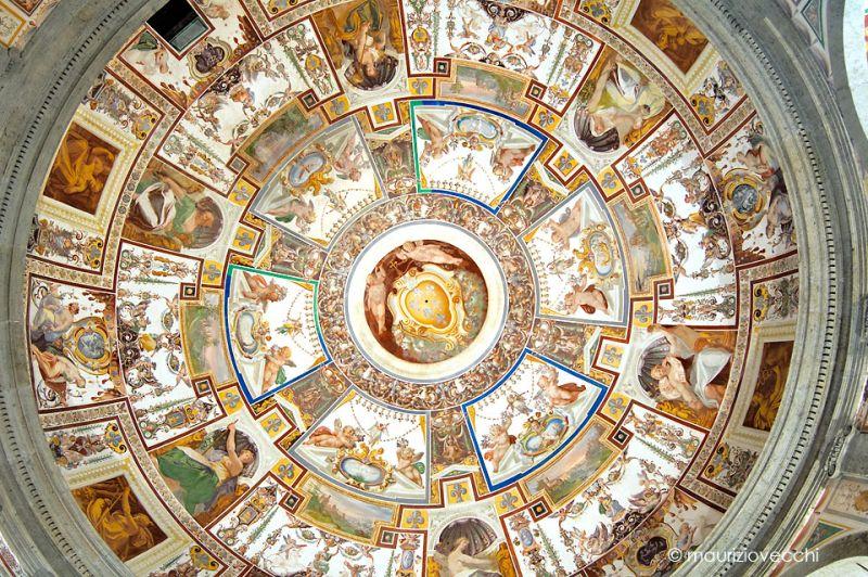 b_800_600_16777215_00_images_monumenti_scala-regia-volta.jpg